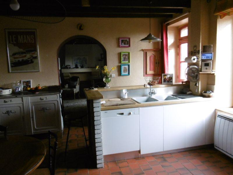 Sale house / villa Yvre l eveque 343200€ - Picture 3