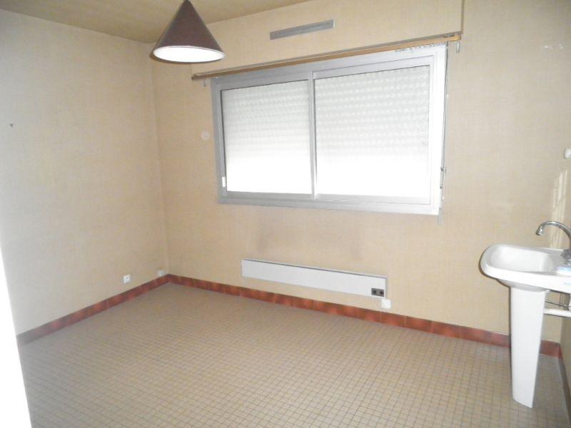 Sale house / villa Martigne ferchaud 69970€ - Picture 7