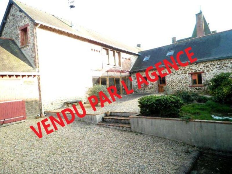 Sale house / villa Martigne ferchaud 166240€ - Picture 1