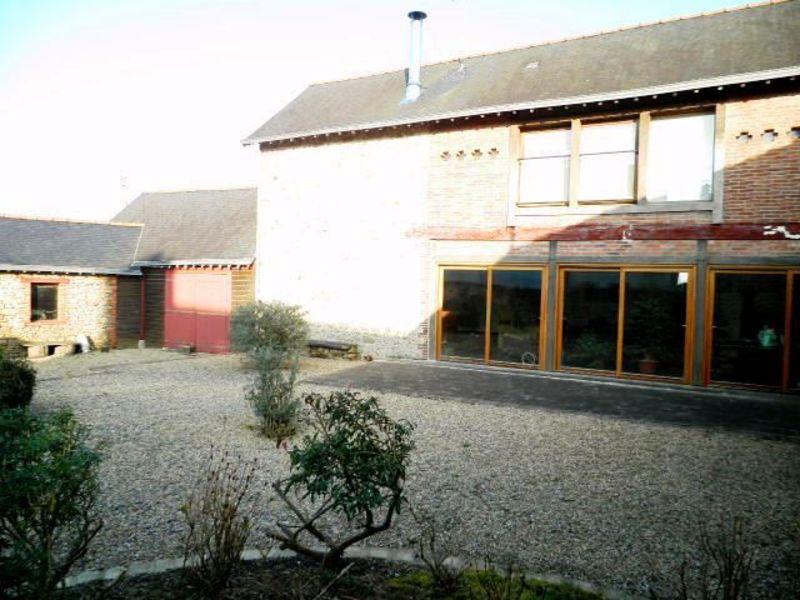 Sale house / villa Martigne ferchaud 166240€ - Picture 2