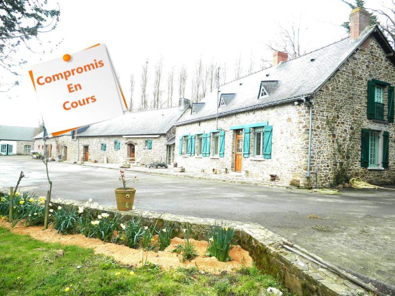 Vente maison / villa Martigne ferchaud 335800€ - Photo 1