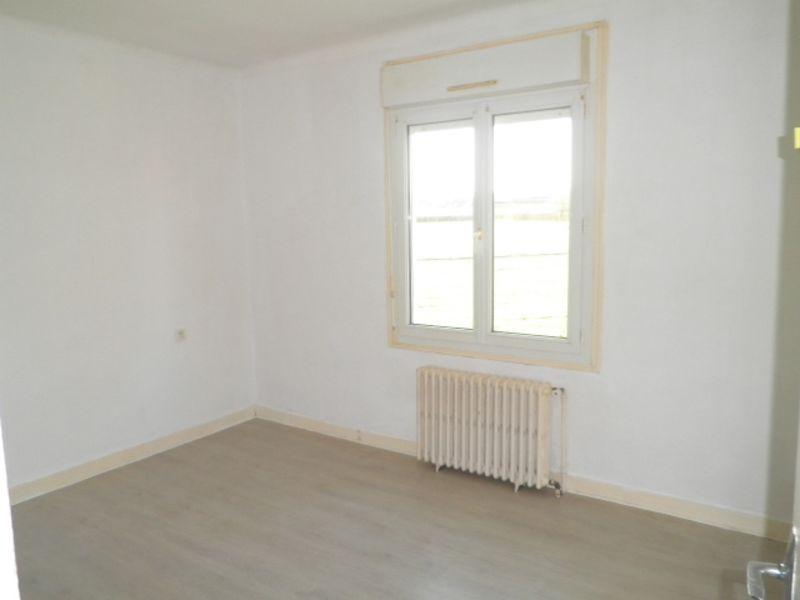 Vente maison / villa Martigne ferchaud 64950€ - Photo 4
