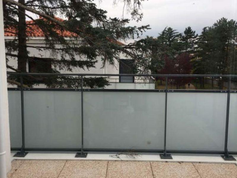 Rental apartment Meyzieu 707€ CC - Picture 5