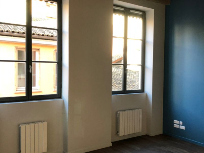 Rental apartment Lyon 725€ CC - Picture 1