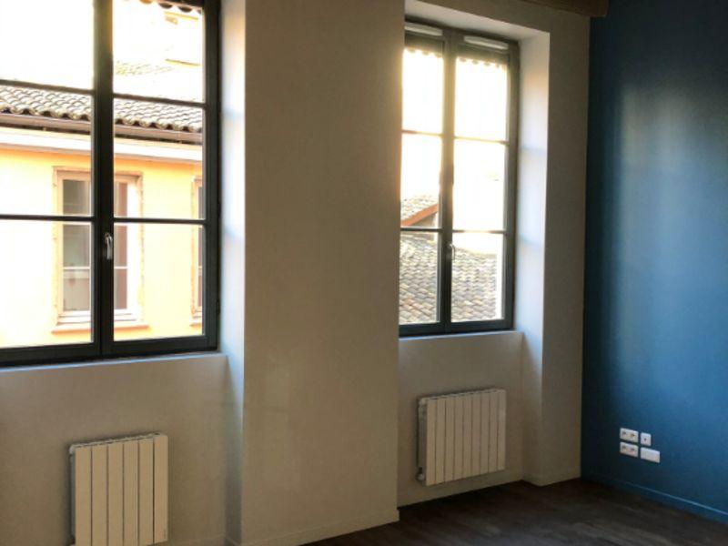 Rental apartment Lyon 785€ CC - Picture 1