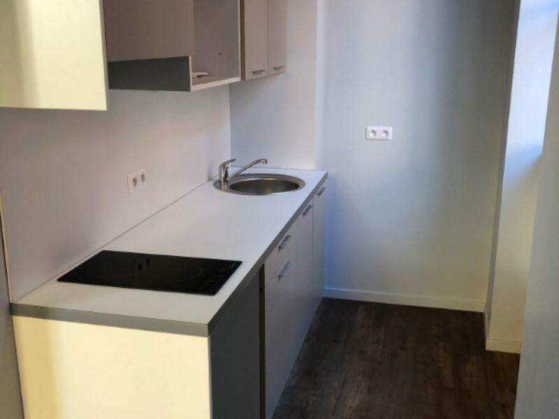 Rental apartment Lyon 785€ CC - Picture 2