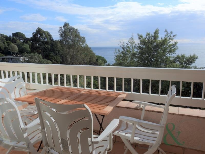 Deluxe sale apartment Rayol canadel sur mer 364 000€ - Picture 1