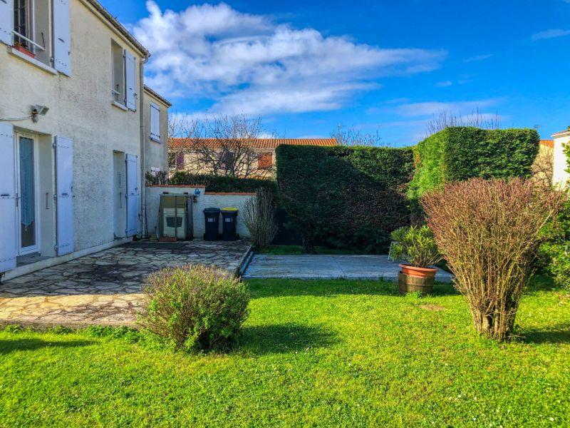 Location maison / villa Saint georges de didonne 790€ CC - Photo 3