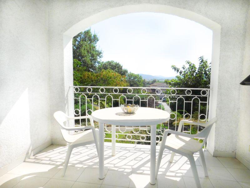 Sale apartment Grimaud 142000€ - Picture 2