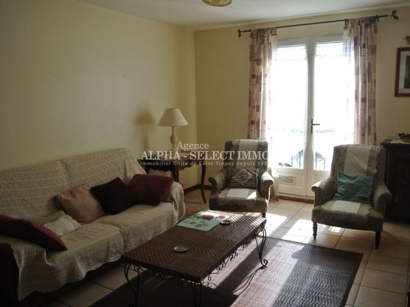 Vente appartement Grimaud 140 000€ - Photo 1