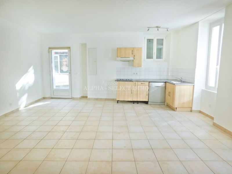 Sale apartment Cogolin 142000€ - Picture 2