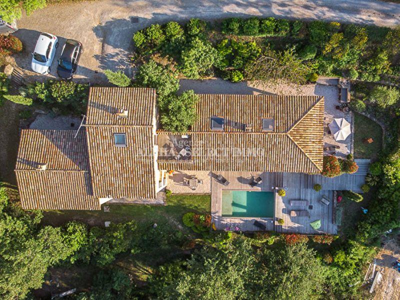 La Garde Freinet , maison contemporaine proche du village