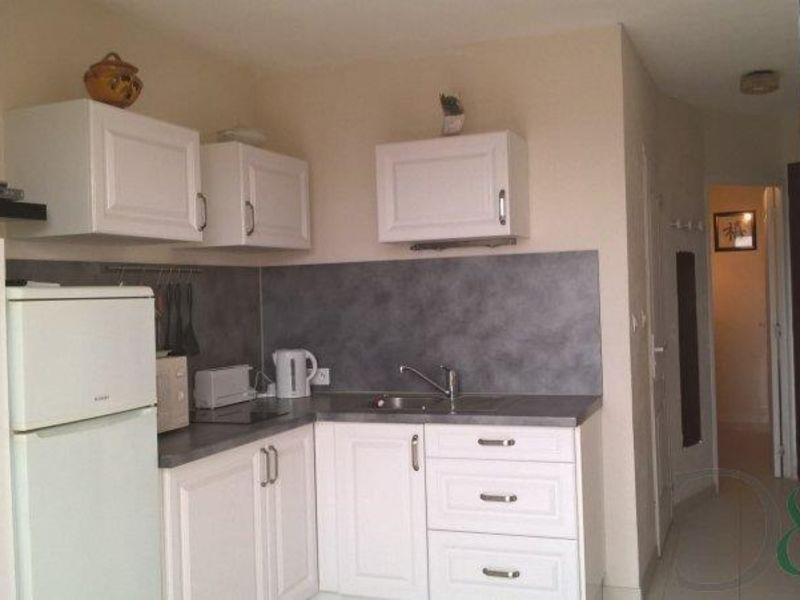Deluxe sale apartment La londe les maures 158000€ - Picture 5