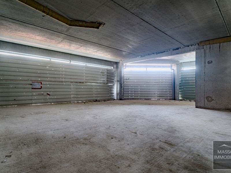 Location local commercial Challans 2200€ HC - Photo 3