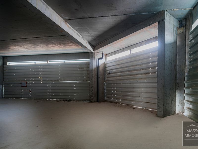 Location local commercial Challans 2200€ HC - Photo 4