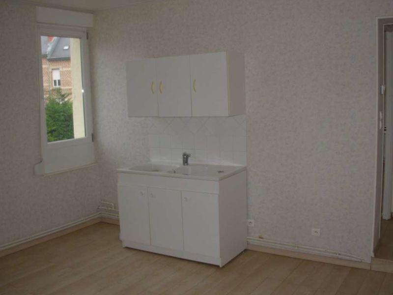 Location appartement Saint quentin 407€ CC - Photo 2