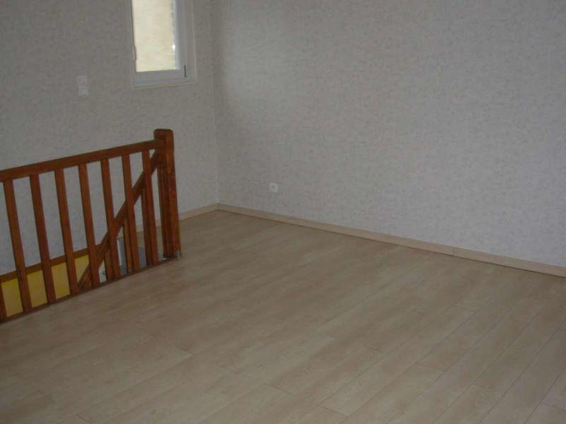 Location appartement Saint quentin 407€ CC - Photo 4