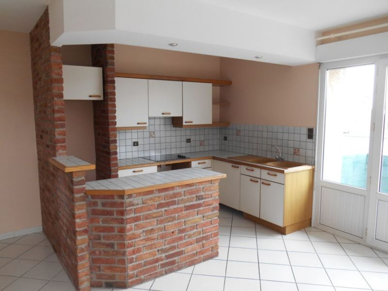 Rental apartment Saint quentin 595€ CC - Picture 2
