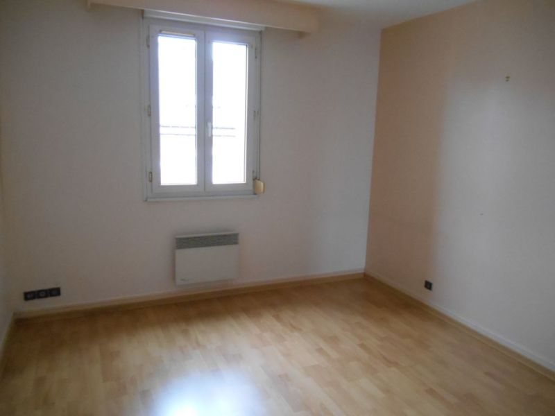 Rental apartment Saint quentin 595€ CC - Picture 6