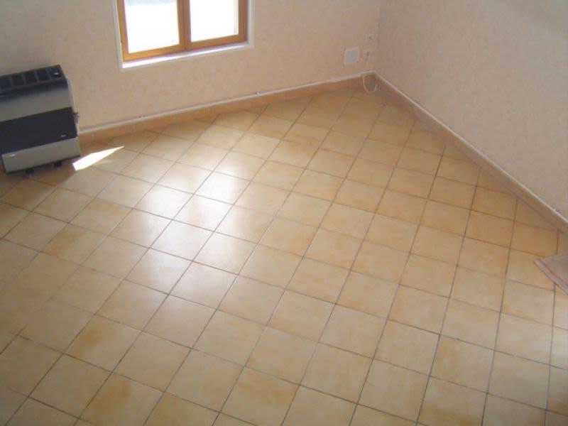 Rental house / villa Saint quentin 401€ CC - Picture 6