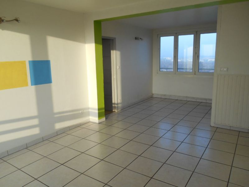Location appartement Saint quentin 545€ CC - Photo 2