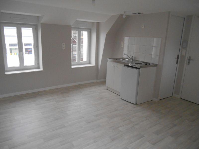 Location appartement Saint quentin 315€ CC - Photo 1