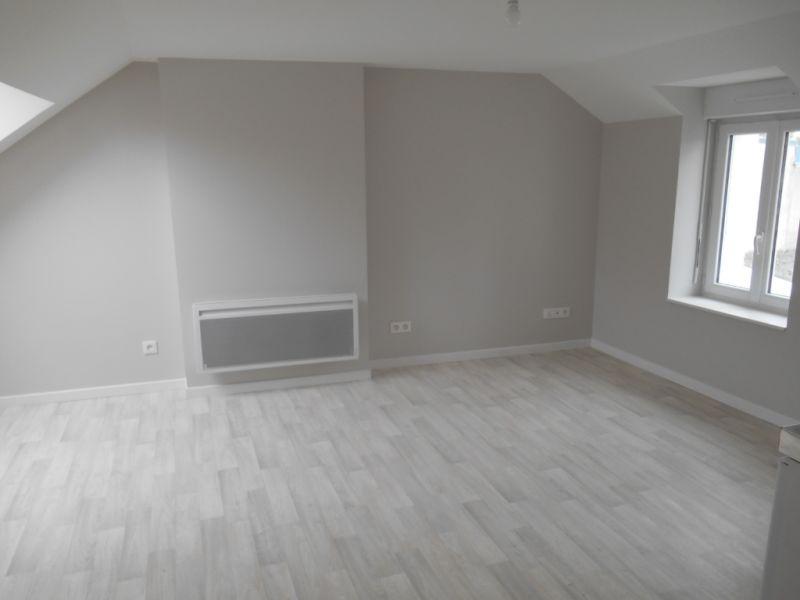 Location appartement Saint quentin 315€ CC - Photo 2