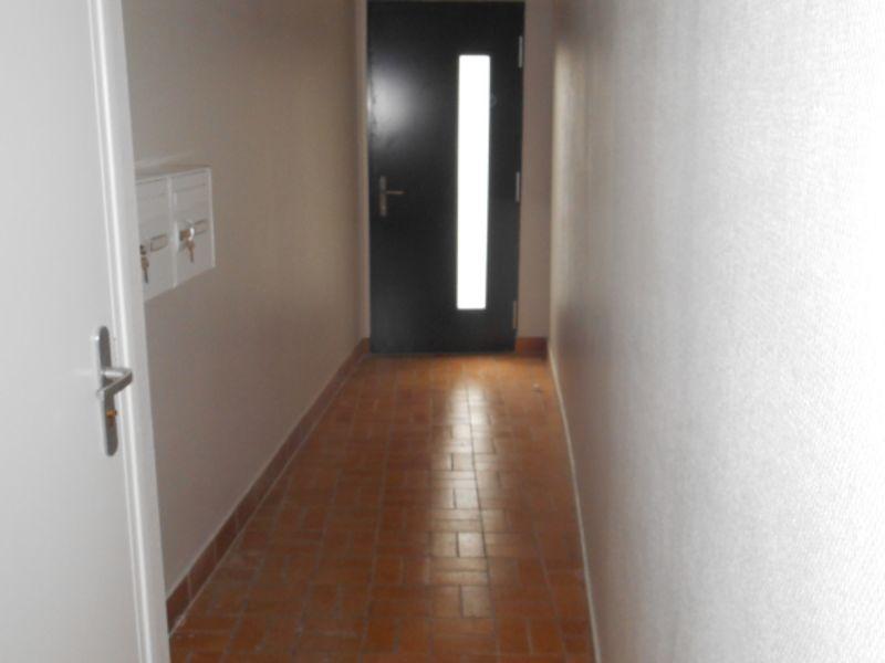 Location appartement Saint quentin 315€ CC - Photo 5