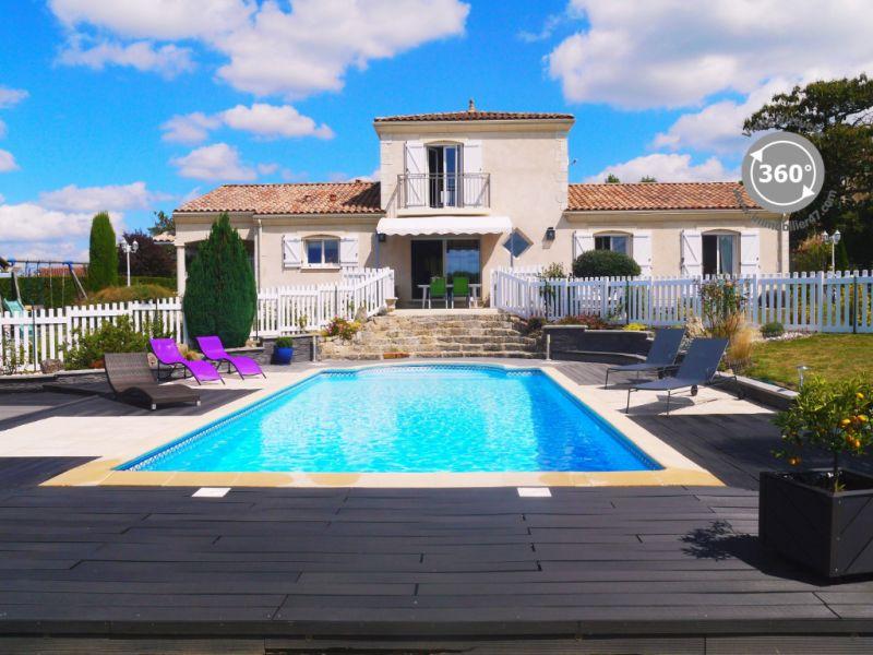 Sale house / villa Clermont dessous 395000€ - Picture 1