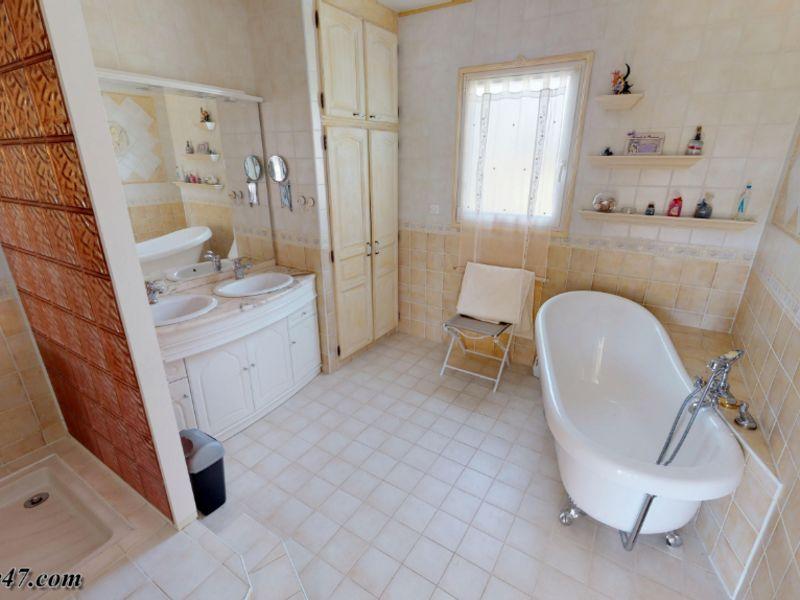 Sale house / villa Clermont dessous 395000€ - Picture 9
