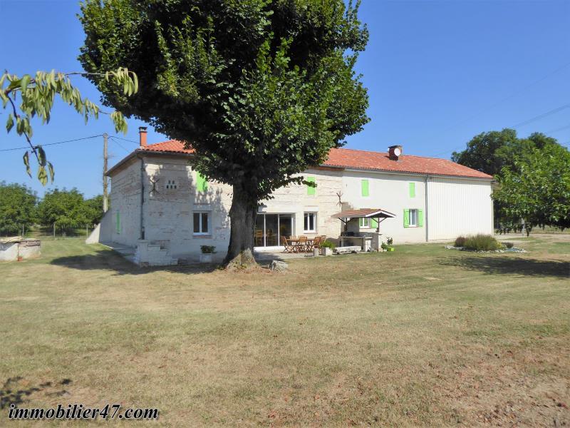 Sale house / villa Prayssas 238500€ - Picture 1