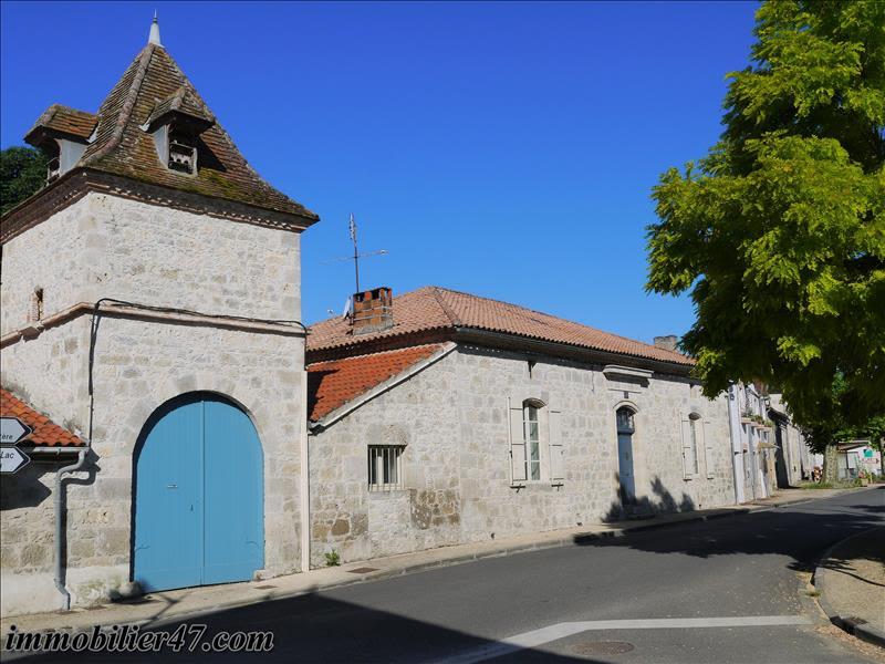 Sale house / villa Prayssas 245000€ - Picture 1