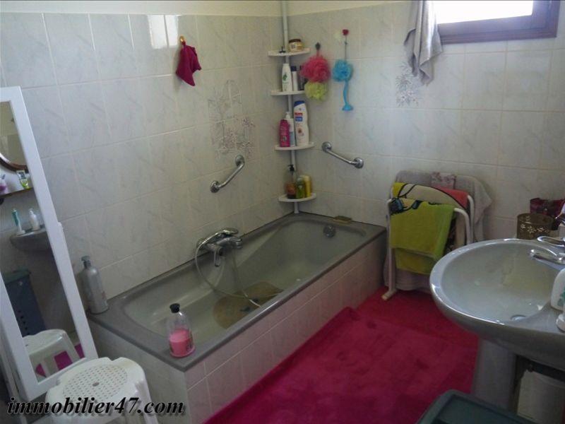 Sale house / villa Laroque timbaut 181000€ - Picture 7