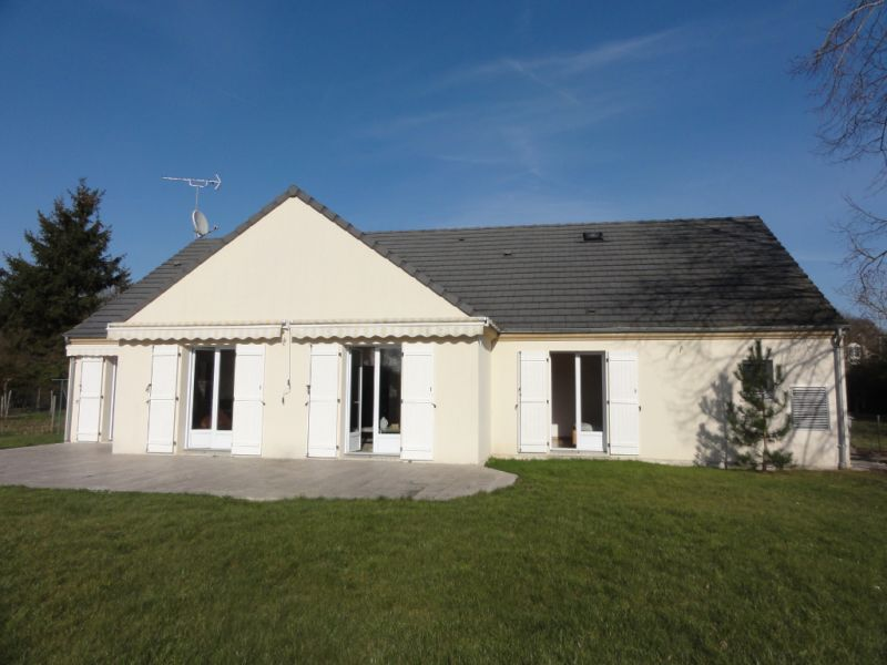 Sale house / villa Vaux le penil 472 500€ - Picture 1