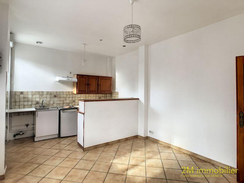 Rental apartment Vaux le penil 595€ CC - Picture 3