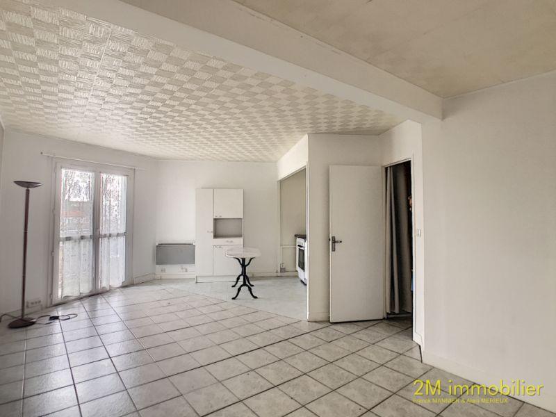 Rental apartment Vaux le penil 590€ CC - Picture 1