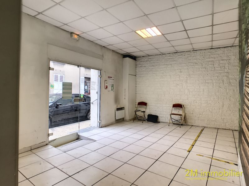 Vente local commercial Melun 249 000€ - Photo 1