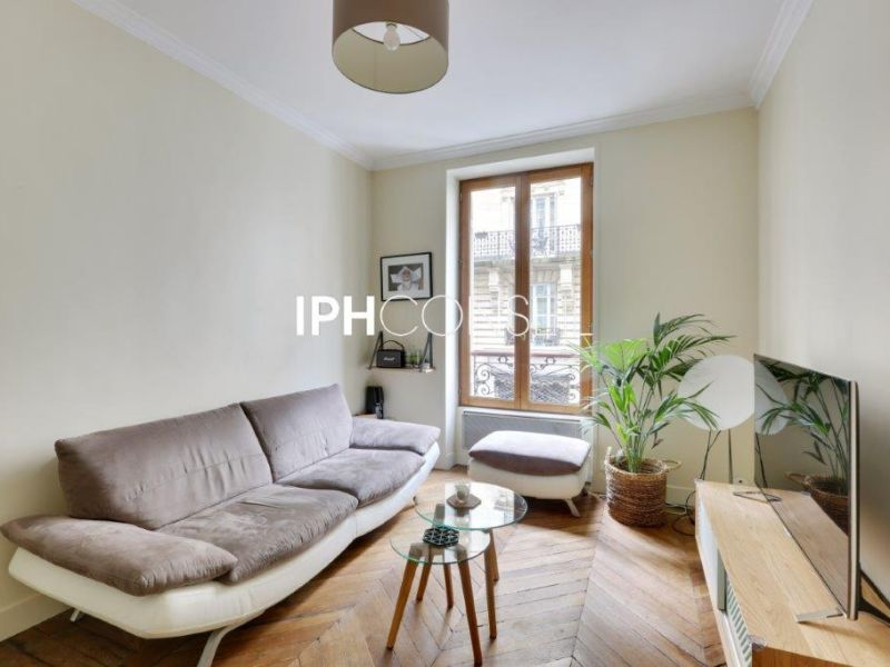 Sale apartment Paris 580000€ - Picture 2