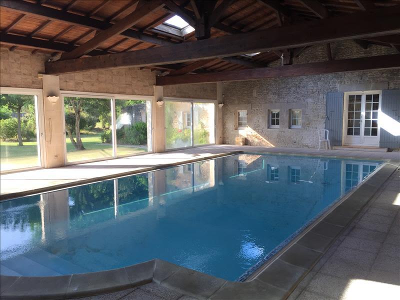 Sale house / villa Grezac 451500€ - Picture 2