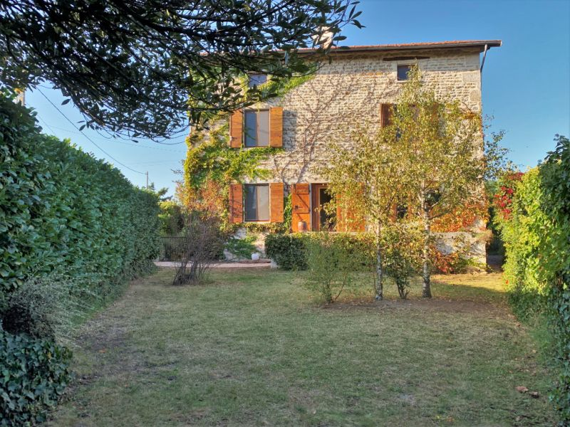 Sale house / villa Bully 504 000€ - Picture 1