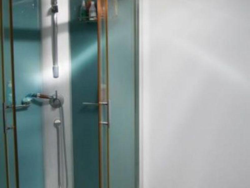 Vendita appartamento Bagnols sur ceze 56900€ - Fotografia 4