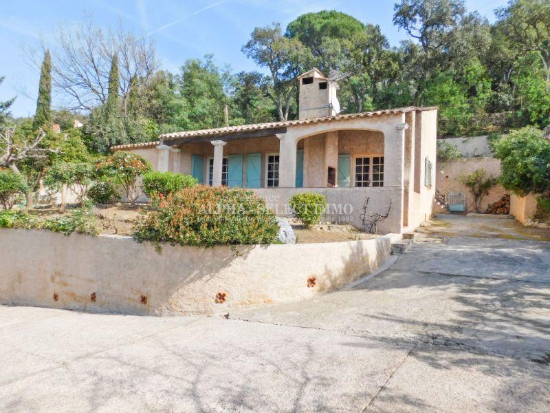 Proche du village de Grimaud maison de plain pied de 90 m²