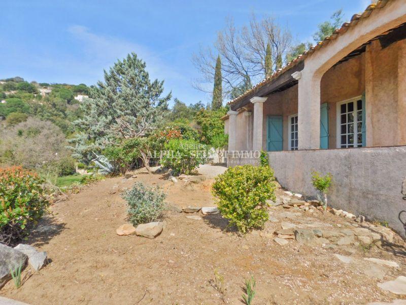 Sale house / villa Grimaud 490000€ - Picture 2