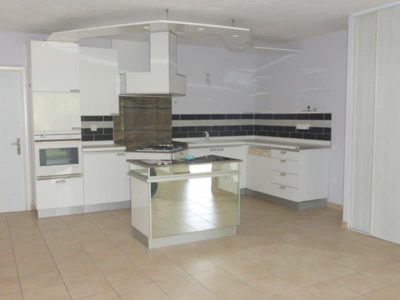 Rental apartment St maximin la ste baume 900€ CC - Picture 2