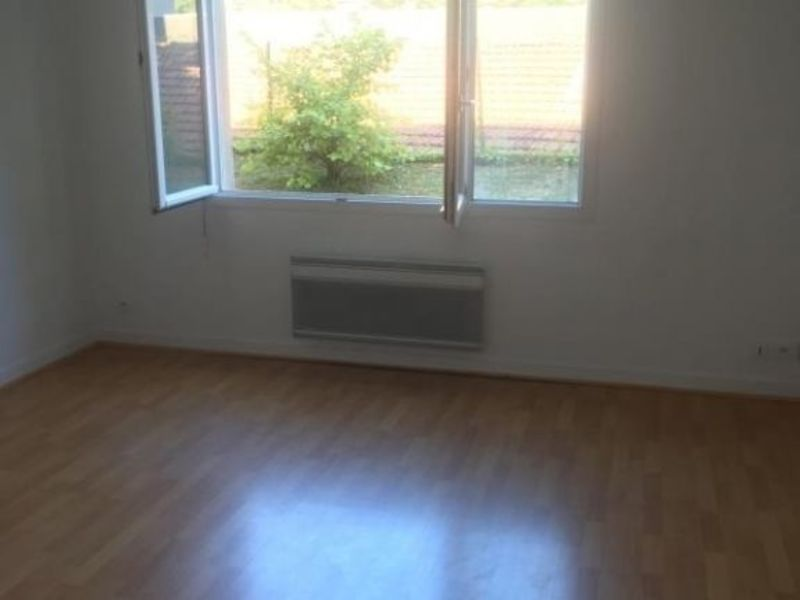 Location appartement Poitiers 360€ CC - Photo 3