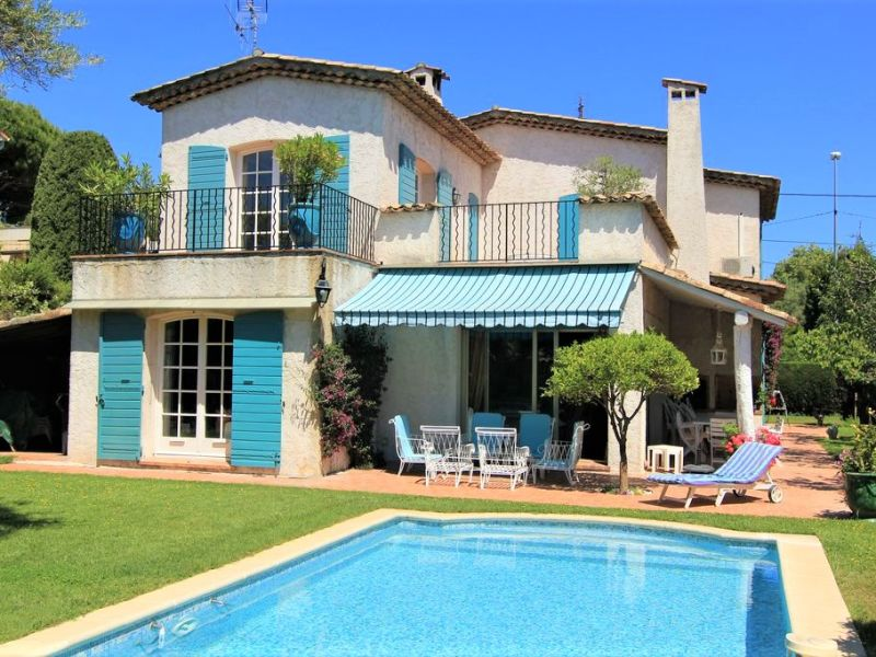 Sale house / villa Antibes 1690000€ - Picture 1