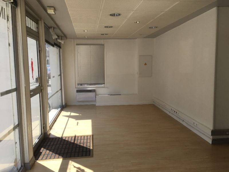 Location local commercial Saint omer 800€ HC - Photo 3