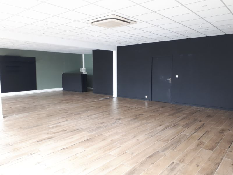Location local commercial Longuenesse 2 077,30€ CC - Photo 3
