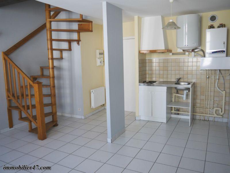 Verhuren  appartement Montpezat 300€ CC - Foto 1