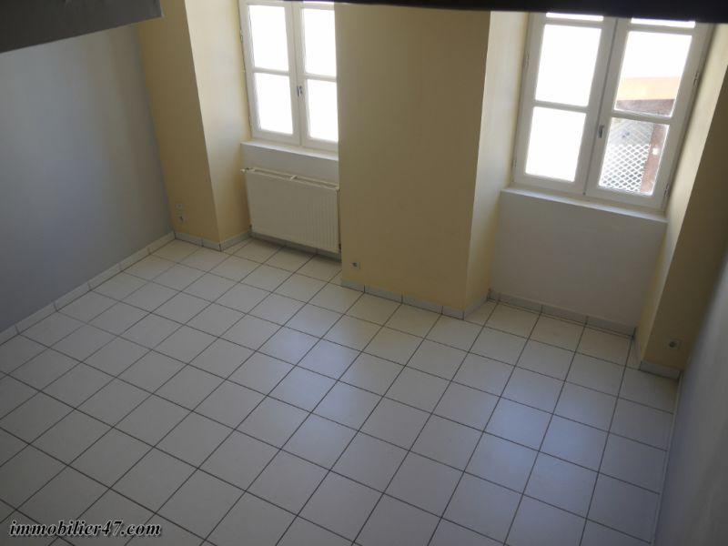 Verhuren  appartement Montpezat 300€ CC - Foto 7